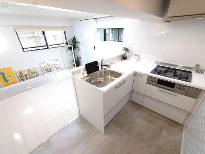 キッチン 《キッチン》スペースを有効活用したL字型のスタイリッシュなキッチン。お料理をするのが楽しみになりますね