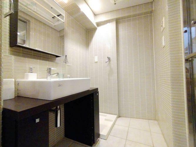 洗面化粧台 《洗面》まるでホテルの様な内装。身支度を整えるのが楽しみになります。