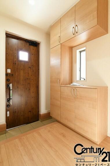 同仕様写真(内観) ■玄関にはシューズボックスを完備!スッキリ使用して頂けます!■