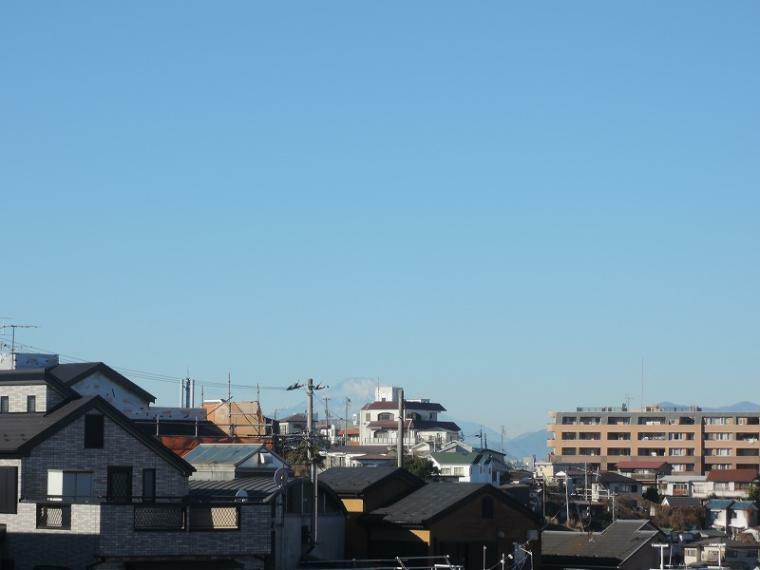 現況写真 B区画・C区画、2階相当の高さからの眺望(気象条件によっては富士山が望めます。)