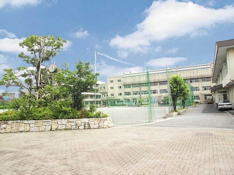 小学校 冨貴島小学校