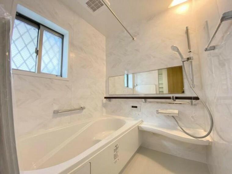 浴室 浴室乾燥機付きでジメジメ解消!カビやお風呂独特の嫌なニオイの発生も防げます!