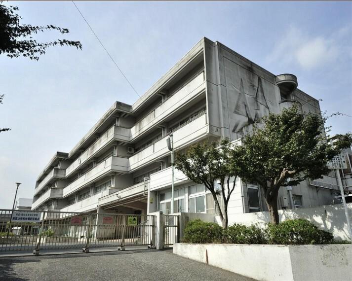 小学校 横浜市立滝頭小学校