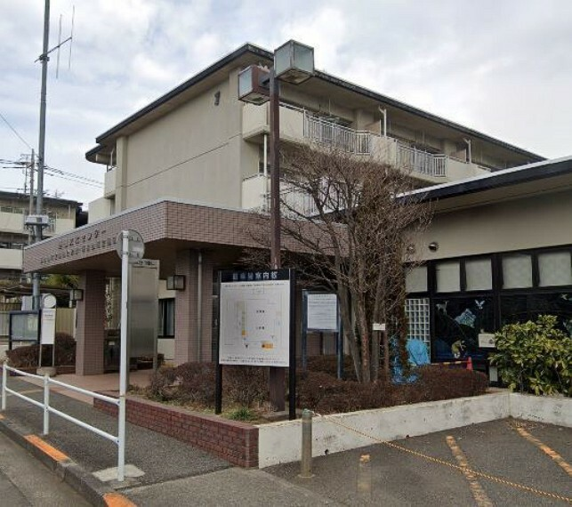 図書館 東村山市立廻田図書館