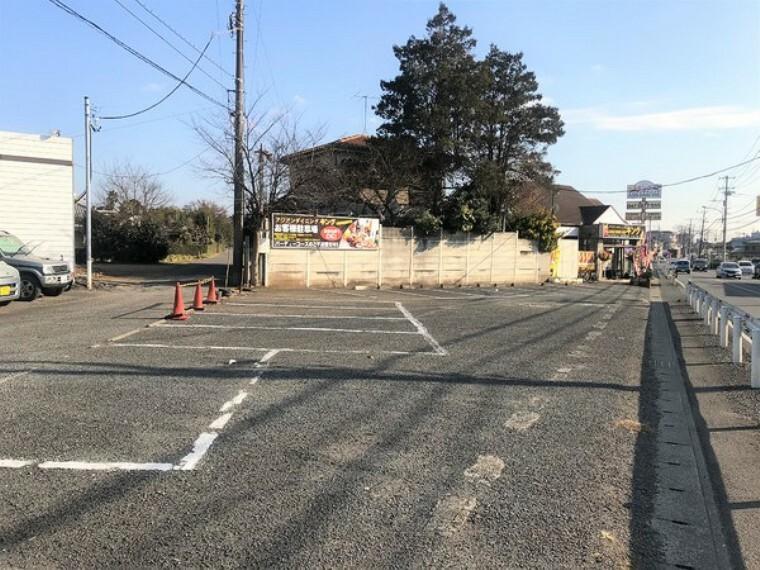 駐車場 約15台分停められる駐車場つき!