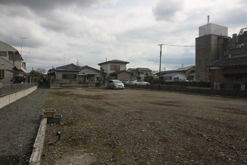 現況写真 敷地の北西側から南東側に向かって撮影