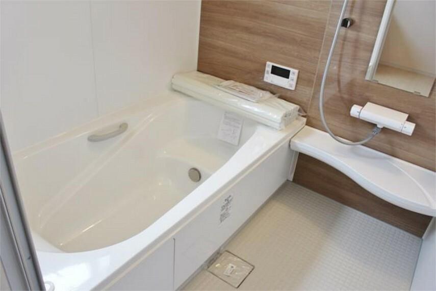 浴室 一日の疲れを癒す浴室は広々一坪サイズ【写真は同仕様】