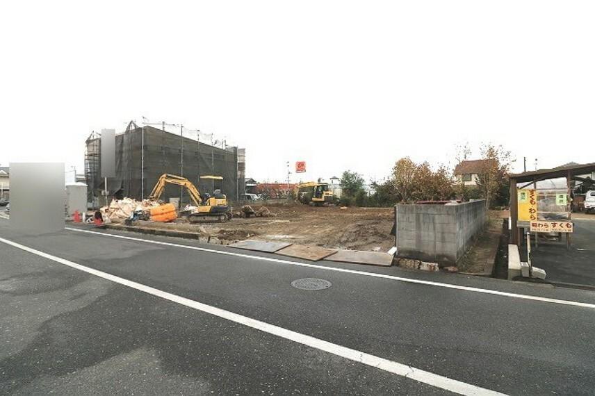 現況外観写真 2号棟完成前:2020年11月に撮影した現地の様子です。まだ更地の状態です。