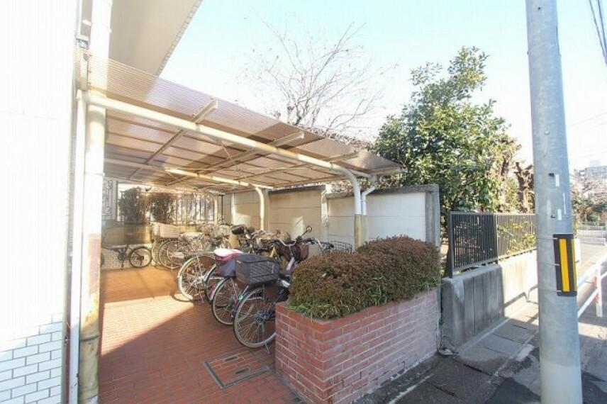 駐輪場 教育施設が充実しており子育てしやすい環境