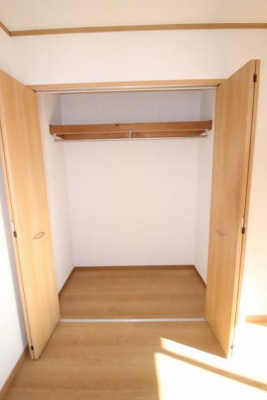 洋室 2階東側洋室のクローゼットです