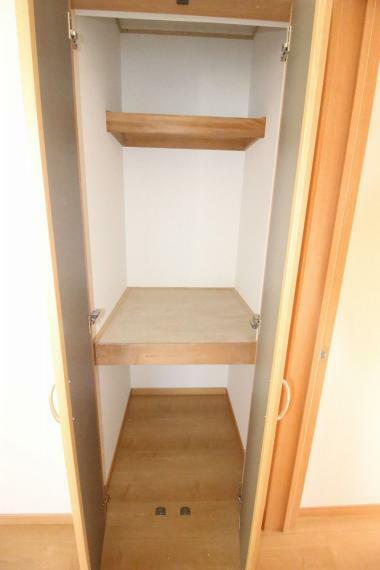 洋室 2階西側洋室の物入です