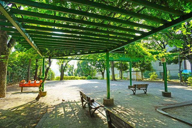 公園 ●目白台一丁目遊び場