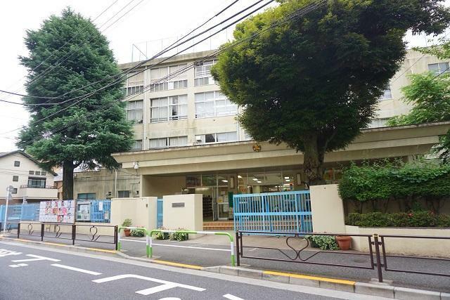 小学校 ●文京区立関口台町小学校