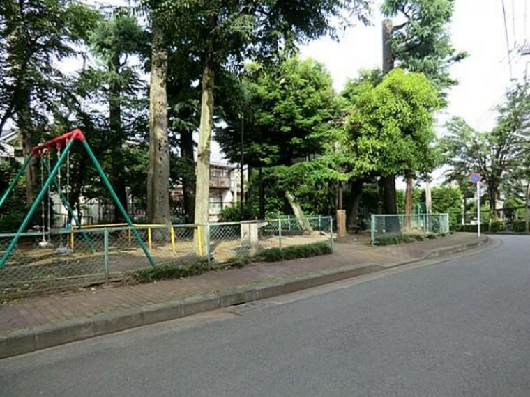 公園 本宿町幼児公園まで約470m