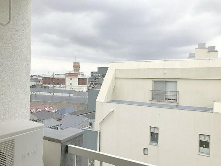 眺望 【眺望】居室からの眺望!最上階の角部屋なので、見渡し良好!