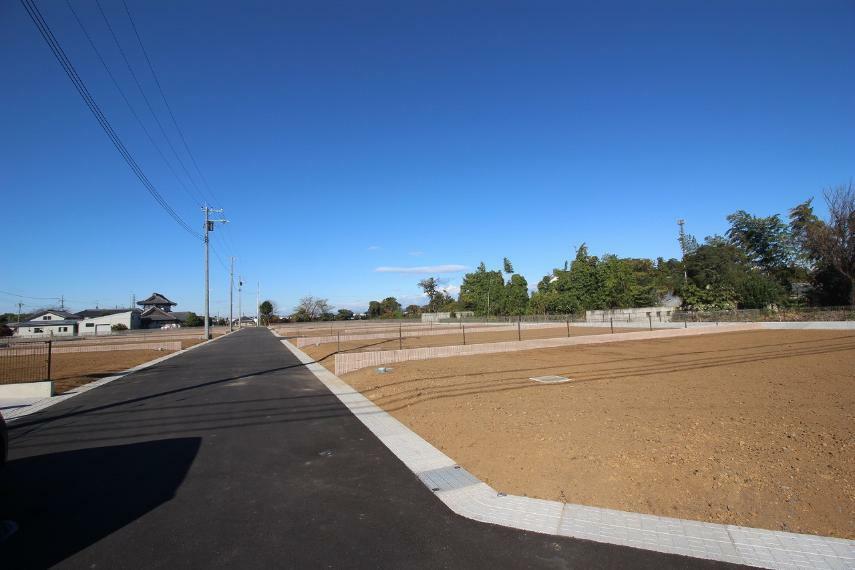 現況写真 2020年11月撮影 敷地を東側道路から北西方向へ撮影