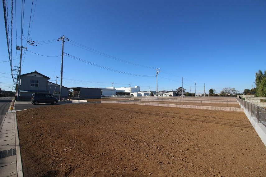 現況写真 2020年11月撮影 敷地を東道路北東側から南西方向へ撮影