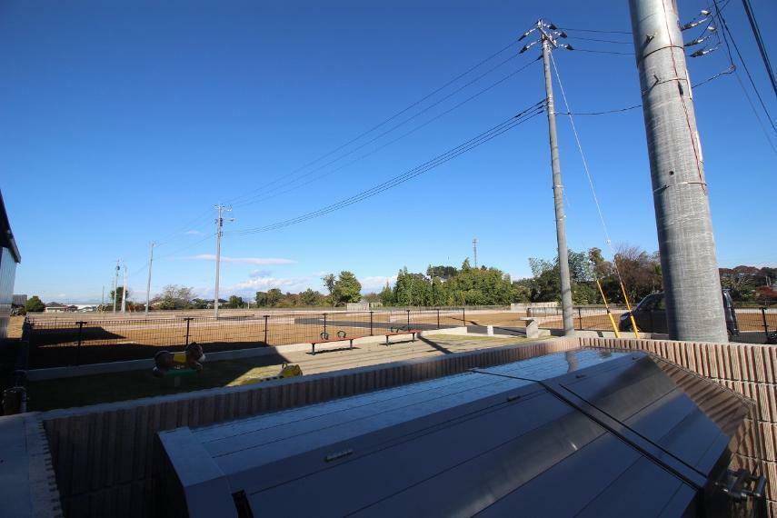 現況写真 2020年11月撮影 敷地を東道路南東側から北西方向へ撮影