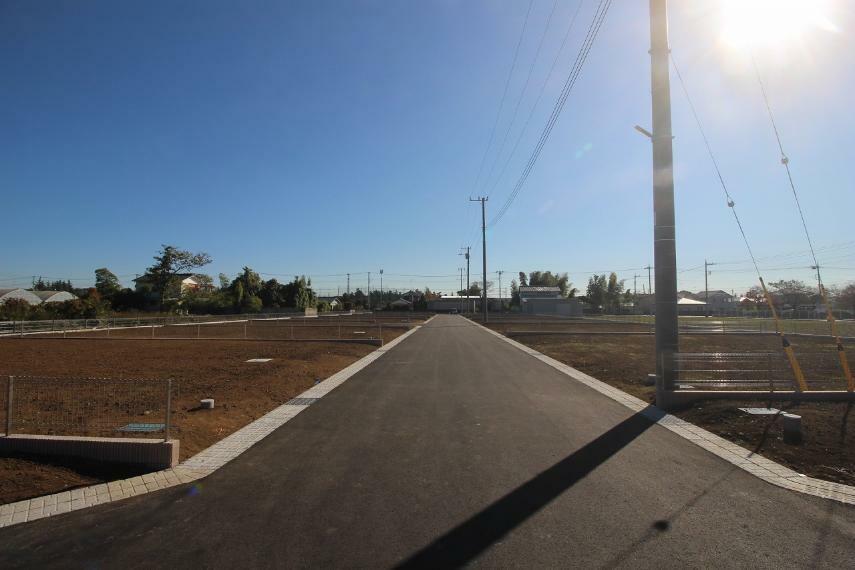 現況写真 2020年11月撮影 敷地を開発道路西側から東方向へ撮影