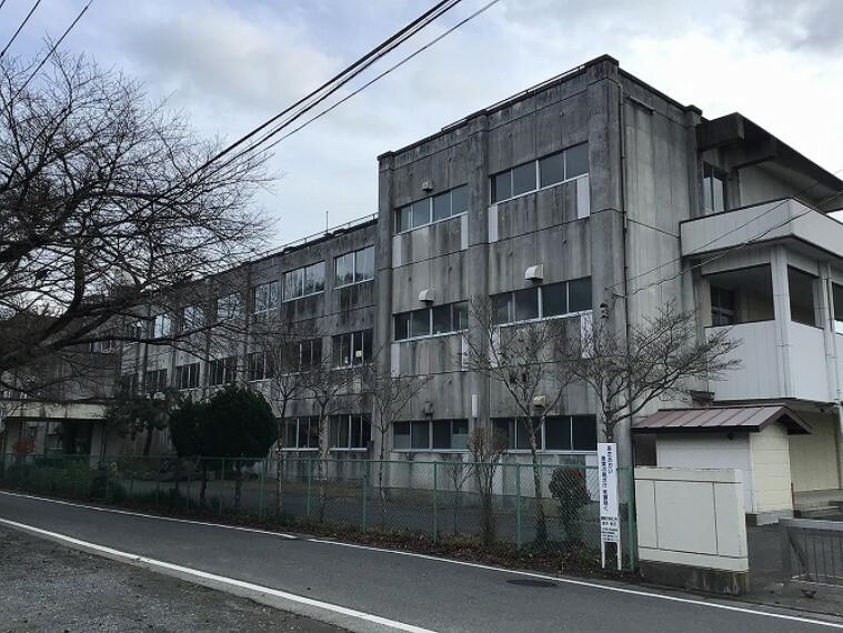 中学校 徒歩38分(3000m) (2020年12月撮影)