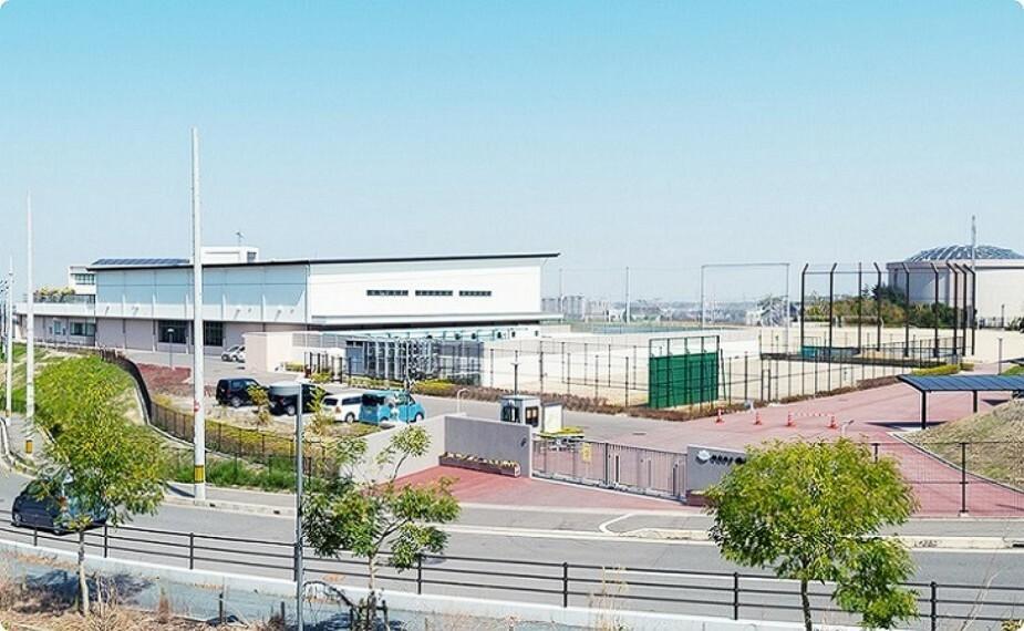 小学校 和泉市立南松尾はつが野学園(小中一貫校)まで 310m