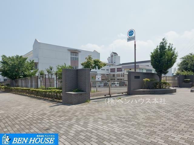小学校 横浜市立富士見台小学校 徒歩9分。