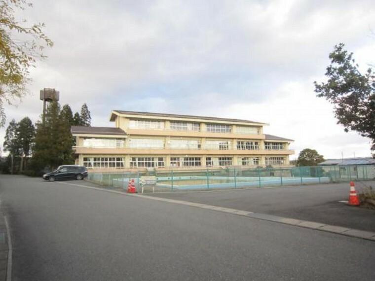 小学校 【小学校】一関市立厳美小学校まで2.2km(徒歩約26分)。
