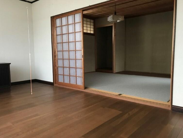 洋室から和室へすぐ移動できます。一部屋として使って和室の方を収納に使ったりゆったり使うこともできそうですね。