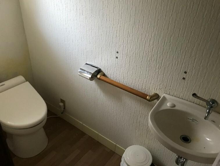 トイレです。手洗い場もついています。