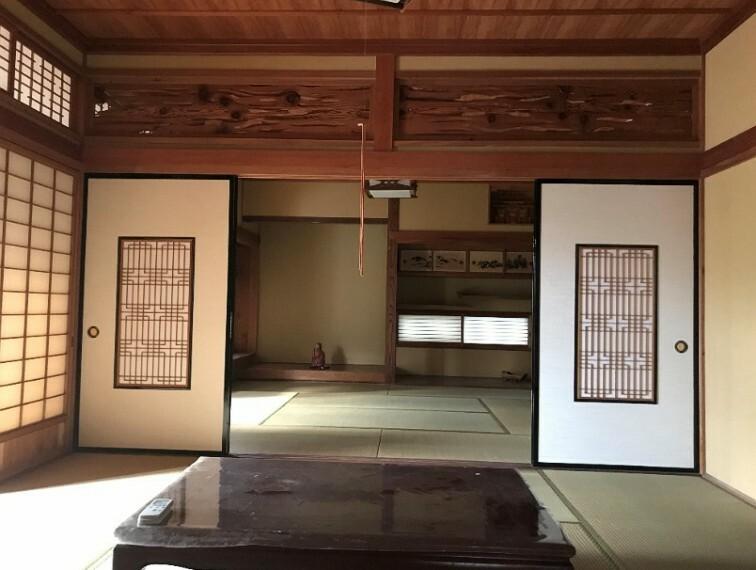 和室です。続間になっています。お盆やお正月に親せきの方が来られても充分な広さがあります。