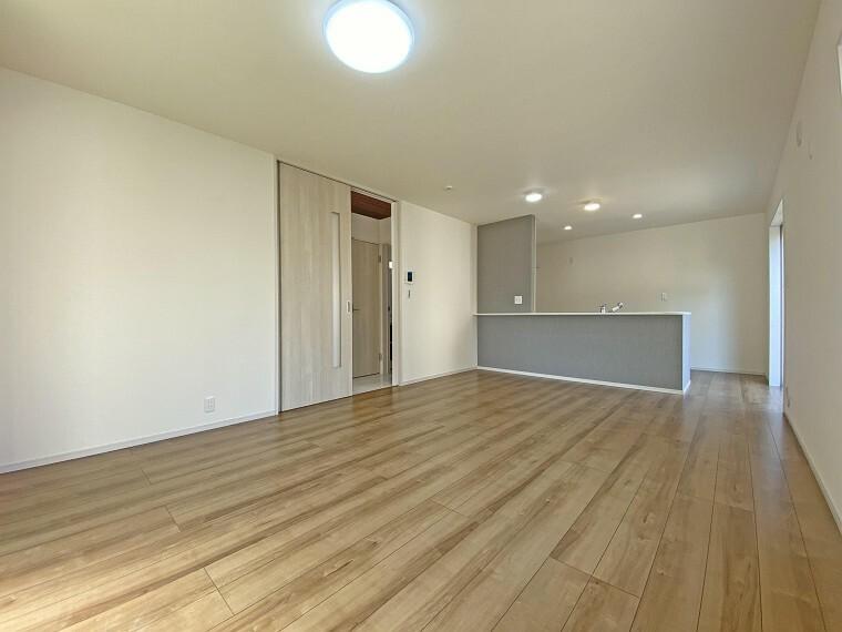 居間・リビング リビング 現地写真2021.2.22撮影(同仕様写真・本物件の建物とは異なります)
