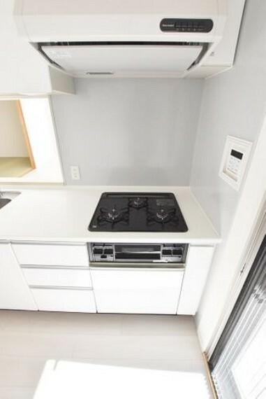 キッチン 【キッチン】調理をしながらちょっとした一品を加えたいときなどに3口目があると便利ですね