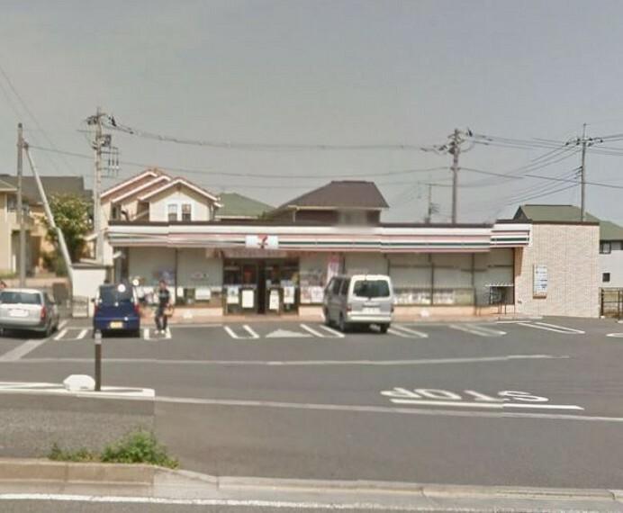 コンビニ セブンイレブン松戸松飛台駅北店 徒歩3分。