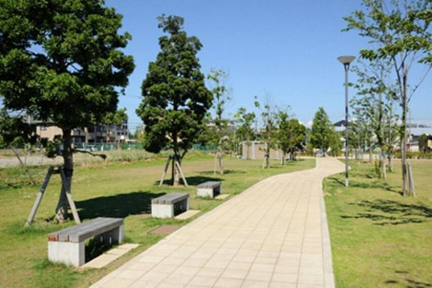公園 東松戸中央公園 徒歩17分。