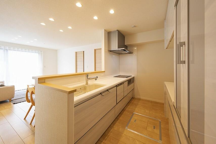 キッチン No.45_キッチン(撮影_2021年2月)食器棚・食洗機・浄水器を完備!