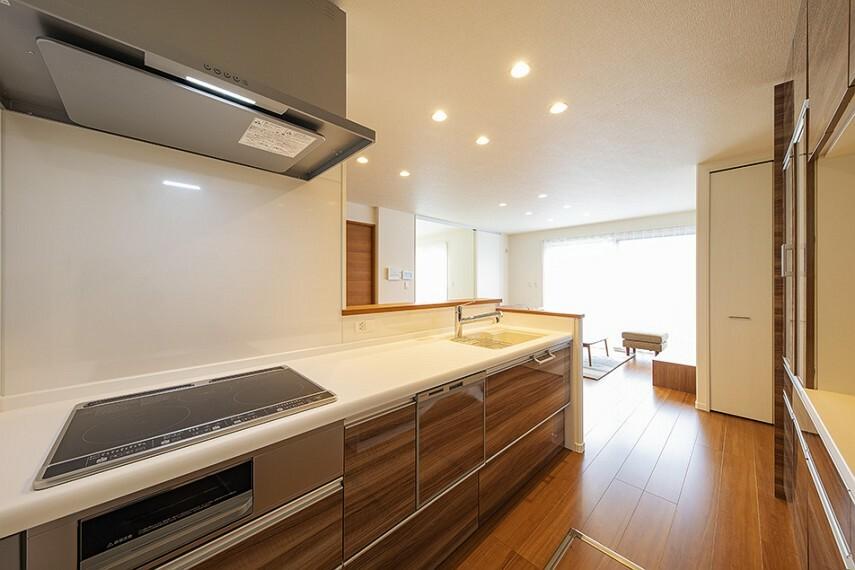 キッチン No.55_キッチン(撮影_2021年2月)食器棚・食洗機・浄水器を完備!