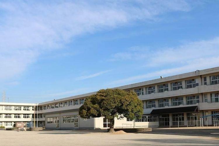 小学校 袖ケ浦市立蔵波小学校 徒歩11分。