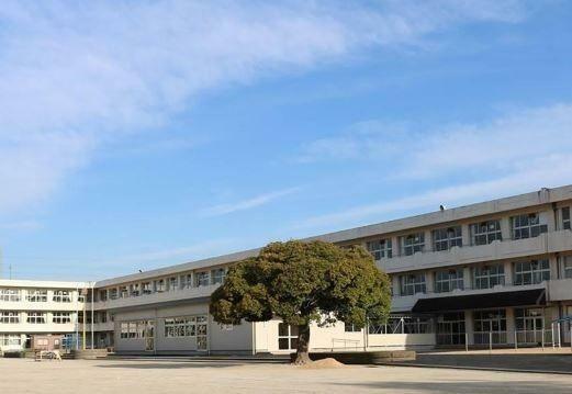 小学校 袖ケ浦市立蔵波小学校 徒歩9分。