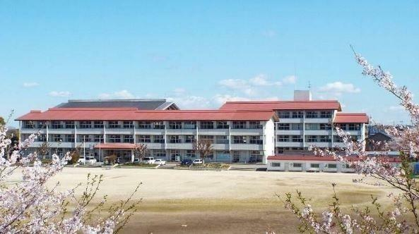 中学校 袖ケ浦市立蔵波中学校 徒歩2分。