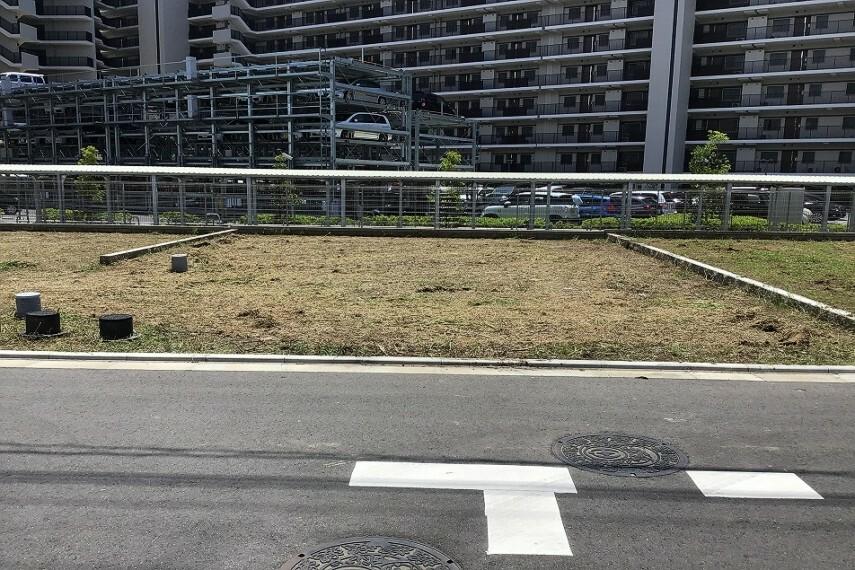 現況写真 No.76_土地(撮影_2021年7月)2台駐車+お庭が可能な成形地です。