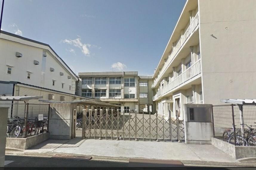中学校 【中学校】高知市立愛宕中学校まで600m