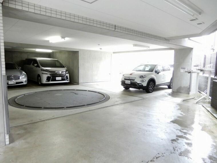 駐車場 駐車場やバイク置場の空き状況もお気軽にお問い合わせください
