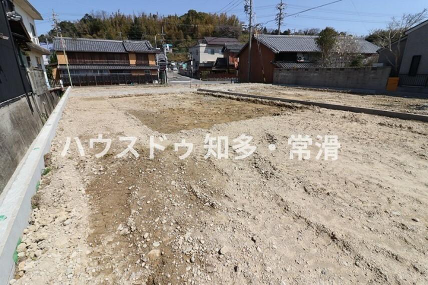 外観・現況 南陵中学校    徒歩18分(約1380m)