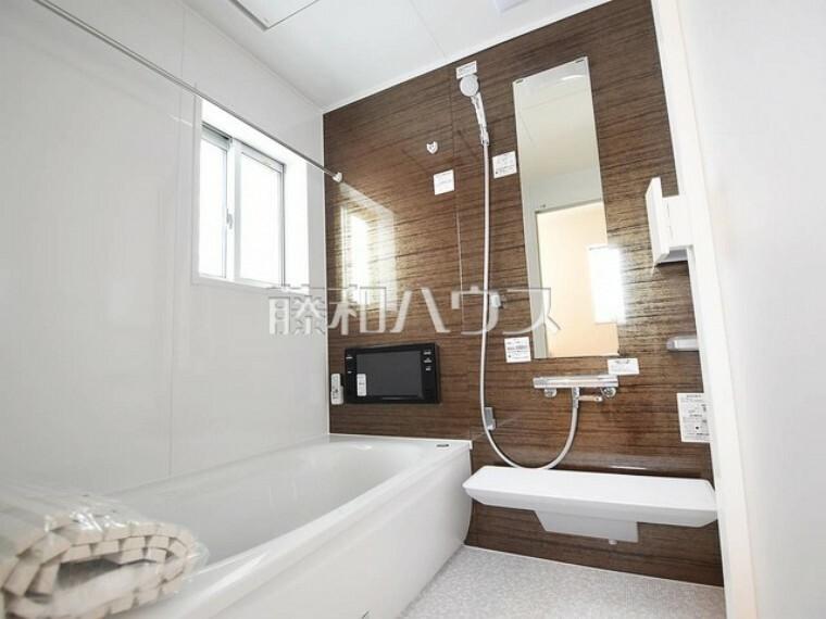 浴室 2号棟 花粉症の時期は外干しできない!そんなご家庭に便利な浴室換気乾燥機! 【府中市小柳町5丁目】