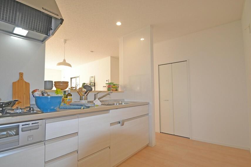 キッチン 業者参考プラン:キッチン(本物件の建物とは異なります)