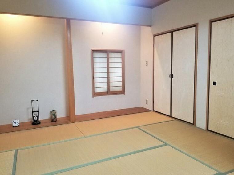 和室 和室・リビングに隣接し開放的にお使いいただけます。お子さんが小さなうちはキッズスペースとしても活躍してくれます。