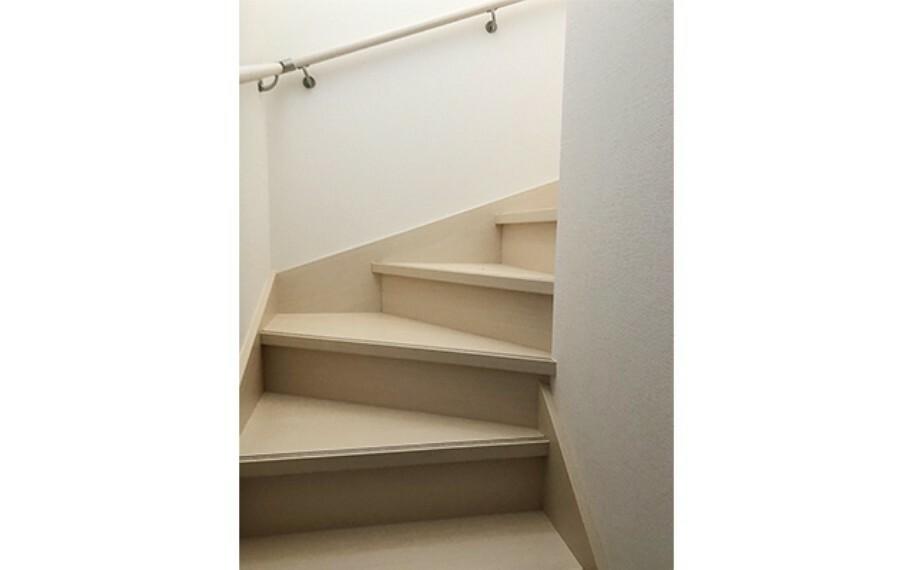 現地写真:階段(2号棟)