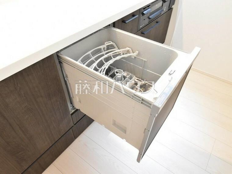 キッチン ビルトイン食洗機を標準完備し、家事時間が短縮できます。 【練馬区貫井4丁目】