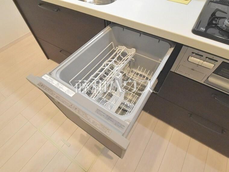 キッチン キッチンには家事時間を短縮する食洗機付き  【杉並区天沼1丁目】
