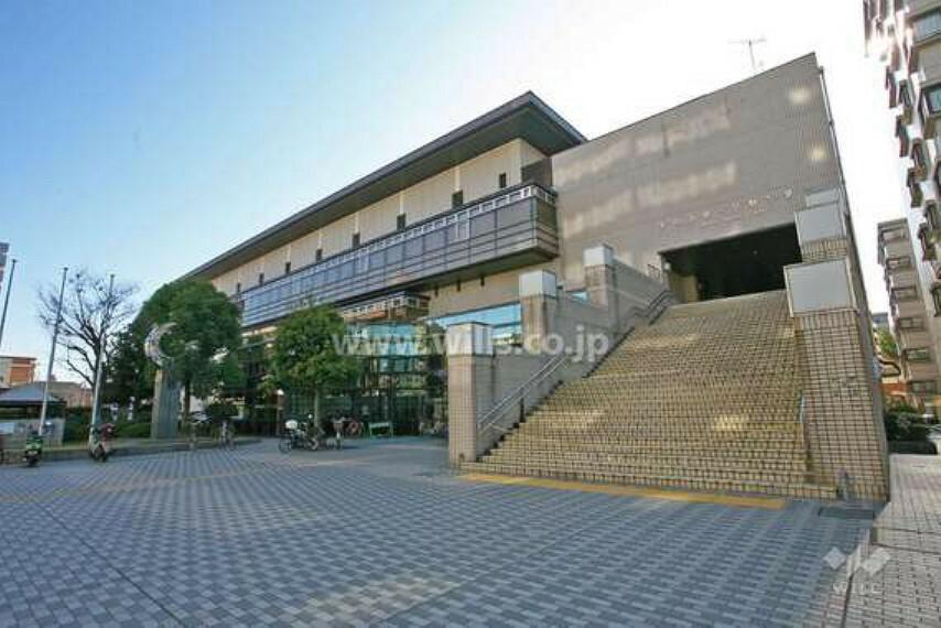 名古屋市が運営するスポーツセンターが徒歩17分のところにあります。トレーニグ室をはじめ、温水プールやヨガなども楽しめますよ